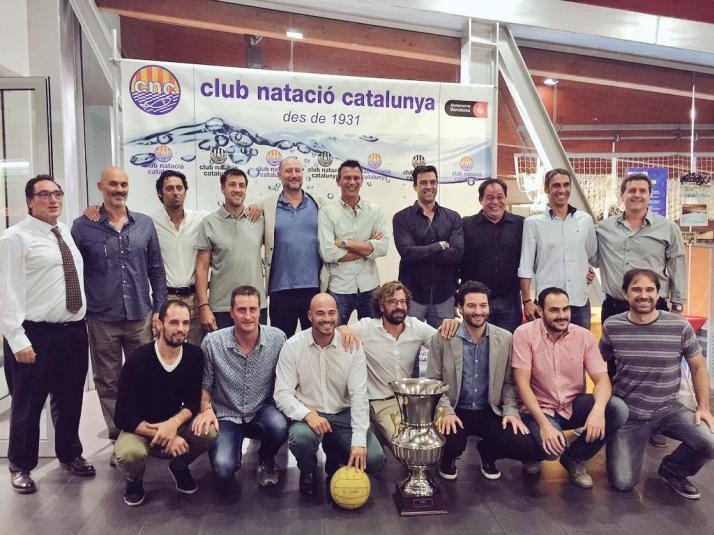 Ex jugadores del CN Catalunya en el 20 aniversario de la Copa de Europa ganada en 1995