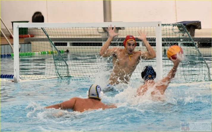 canoe waterpolo